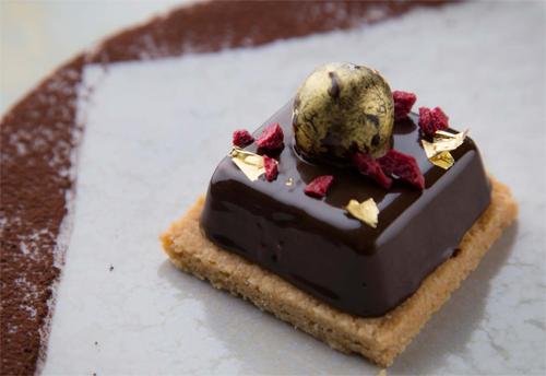 おしゃれ チョコレートケーキ